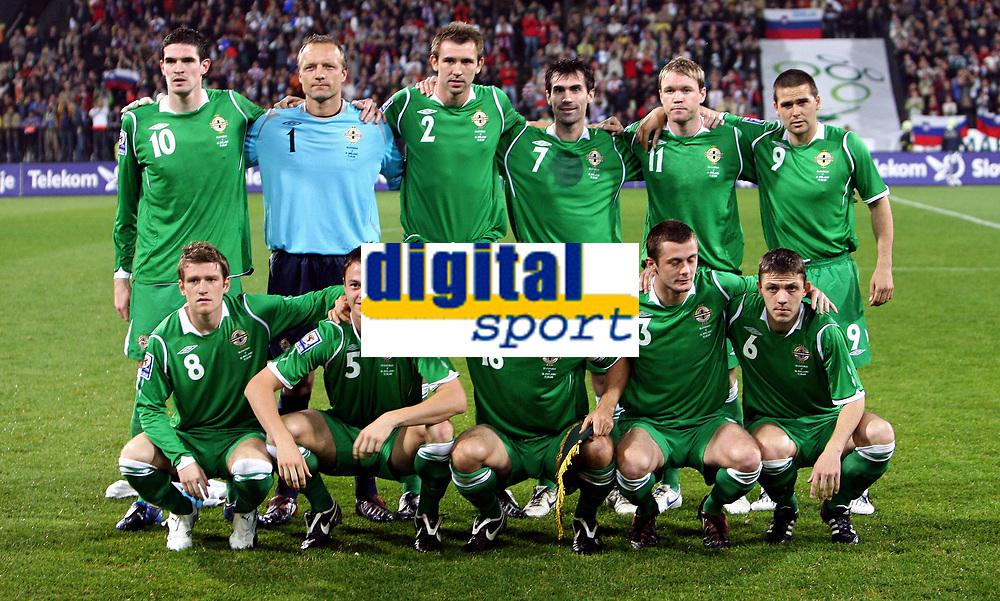 Fotball<br /> 11.10.2008<br /> Foto: imago/Digitalsport<br /> NORWAY ONLY<br /> <br /> Lagbilde Nord Irland<br /> Mannschaftsfoto Nordirland, hi.v.li.: Kyle Lafferty, Torwart Maik Taylor, Gareth McAuley, Keith Gillespie, Grant McCann, David Healy; vorn: Steven Davis, Jonathan Evans, Aaron Hughes, George McCartney und Chris Baird
