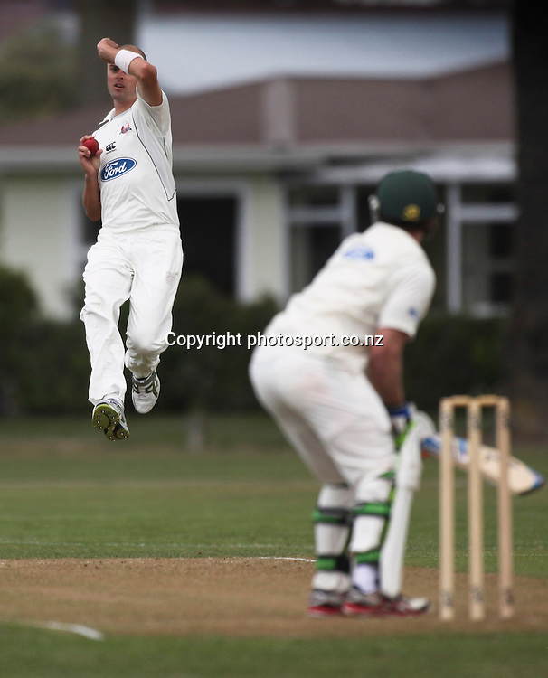 Auckland's Chris Martin bowls in the Plunket Shield cricket match between the Central Districts Stags and the Auckland Aces at Nelson Park, Napier,  New Zealand. Sunday, 04 November, 2012. Photo: John Cowpland / photosport.co.nz