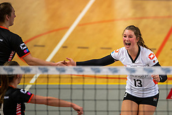 02-02-2019 NED: Regio Zwolle Volleybal - Sliedrecht Sport, Zwolle<br /> Round 16 of Eredivisie volleyball - Sliedrecht win the match 3-2 / Bjorna Gras #13 of Zwolle