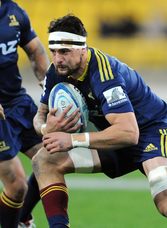 Highlanders' Elliot Dixon against the Hurricanes in the Super Rugby match at Westpac Stadium, Wellington, New Zealand, Friday, May 16, 2014. Credit:SNPA / Ross Setford