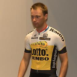 08-01-2016: Wielrennen: Presentatie Lotto Jumbo: Den Bosch<br /> 's-HERTOGENBOSCH (NED) wielrennen<br /> Team Lotto-Jumbo werd gepresenteerd op het HQ van Brand Loyalty <br /> Debuterend in het shirt van Lotto-Jumbo Steven Lammertink