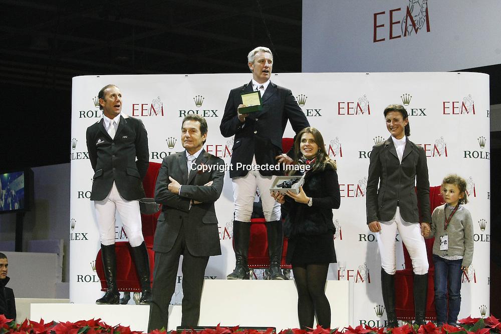 Equitation : Gucci Masters - 03.12.2010 - Rolex Speed Challenge CSI5 - Philippe Rozier (FRA) / Roger Yves Bost (FRA) / Penelope Leprevost (FRA) et sa fille *** Local Caption *** 00042820