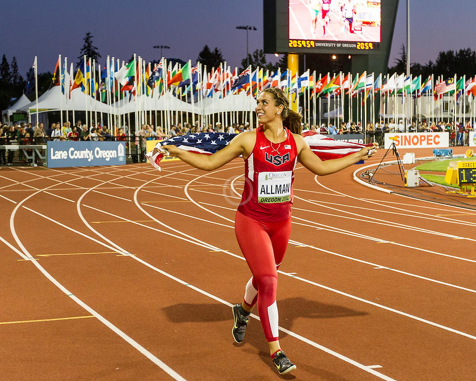 womens discus, 2nd,  Valarie Allman, USA, victory lap
