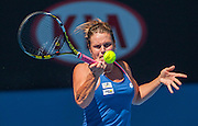 Karin Knapp (ITA) faced M. Sharapova (RUS) in Day 4 of the 2014 Australian Open. Temperatures are at all time highs in Melbourne and expected to hit 44 C / 111.2 F today.