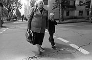 Tiraspol, 15/07/2004: donna e bambino