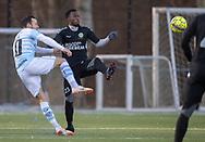 FODBOLD: Patrick Olsen (FC Helsingør) og Seejou King (AB) under træningskampen mellem FC Helsingør og AB den 19. januar 2019 på Snekkersten Idrætscenter. Foto: Claus Birch