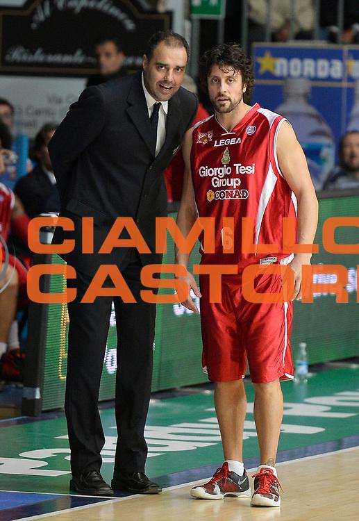 DESCRIZIONE : Cantu' campionato serie A 2013/14 Pallacanestro Cantu' Giorgio Tesi Group Pistoia <br /> GIOCATORE : Paolo Moretti Guido Meini<br /> CATEGORIA : allenatore coach<br /> SQUADRA : Giorgio Tesi Group Pistoia<br /> EVENTO : Campionato serie A 2013/14<br /> GARA : Pallacanestro Cantu' Giorgio Tesi Group Pistoia<br /> DATA : 13/10/2013<br /> SPORT : Pallacanestro <br /> AUTORE : Agenzia Ciamillo-Castoria/R. Morgano<br /> Galleria : Lega Basket A 2013-2014  <br /> Fotonotizia : Cantu' campionato serie A 2013/14 Pallacanestro Cantu' Giorgio Tesi Group Pistoia <br /> Predefinita :