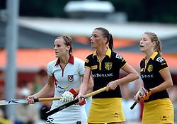 20-05-2007 HOCKEY: FINALE PLAY OFF: DEN BOSCH - AMSTERDAM: DEN BOSCH <br /> Den Bosch voor de tiende keer op rij kampioen van de Rabo Hoofdklasse Dames. In de beslissende finale versloegen zij Amsterdam met 2-0 / Mijntje Donners en Yolanda Clemens<br /> ©2007-WWW.FOTOHOOGENDOORN.NL