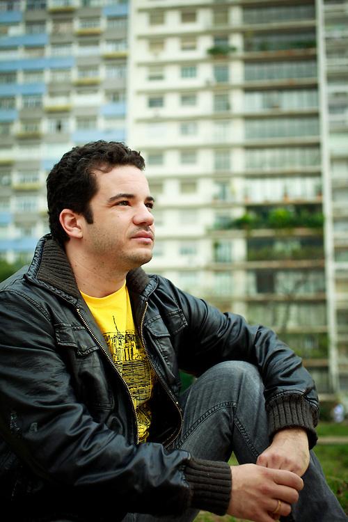 Sao Paulo_SP, Brasil.<br /> <br /> Retrato do ator Thiago Mendonca. <br /> <br /> Portrait of the actor Thiago Medonca.<br /> <br /> Foto: PATRICIA STAVIS / NITRO