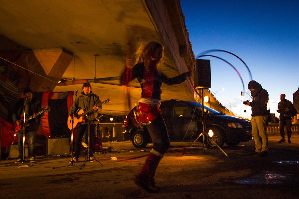 Blais Entier, Sous le viaduc Van Horne à l'angle de Saint-Laurent, Samedi le 17 octobre 2015