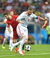 Weltmeisterschaft 2018 in Rußland / Portugal - Spanien / 15.06.2018 / 15 Sergio RAMOS setzt sich durch *** World Cup 2018 in Russia Portugal Spain 15 06 2018 15 Sergio RAMOS prevails HM