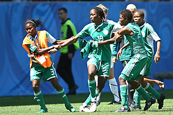 25.07.2010,  Augsburg, GER, FIFA U20 Womens Worldcup, , Viertelfinale, USA vs Nigeria,  im Bild Uchechi SUNDAY (Nigeria #19) wird von Teamkoleginnen zur¸ckgehalten , EXPA Pictures © 2010, PhotoCredit: EXPA/ nph/ . Straubmeier+++++ ATTENTION - OUT OF GER +++++ / SPORTIDA PHOTO AGENCY