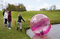 WILNIS - Spelletjes voor de jeugd,  kennismaken met golf tijdens Open Golfdag op Wilnis Golfpark  . COPYRIGHT KOEN SUYK
