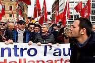 Roma, 14 Febbraio  2015<br /> Manifestazione di solidarietà con la Grecia di Alexis Tsipras e contro le politiche di austerity imposte dalla troika. Nichi Vendola, presidente della Regione Puglia (C)<br /> Rome, February 14, 2015<br /> Demonstration of solidarity with Greece  of Alexis Tsipras and against austerity policies imposed by the Troika. Nichi Vendola, president of Puglia Region (C)