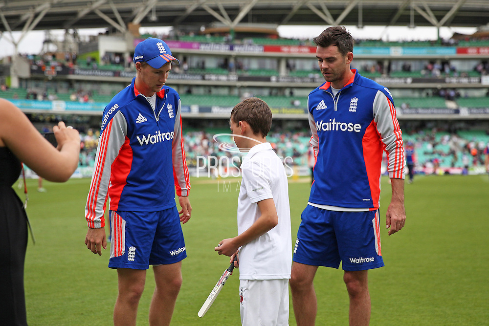 Joe Root of and Jimmy Anderson England before the 1st day of the 5th Investec Ashes Test match between England and Australia at The Oval, London, United Kingdom on 20 August 2015. Photo by Phil Duncan.