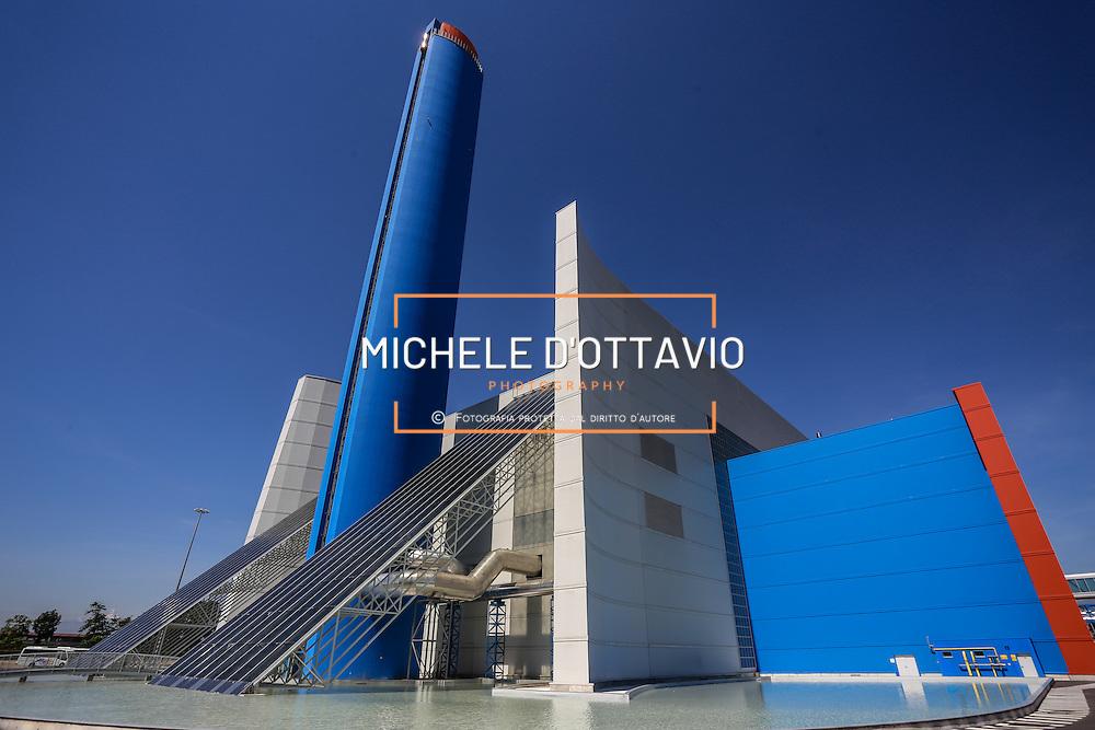Termovalorizzatore di Torino, un impianto per la combustione di rifiuti solidi urbani.<br /> <br /> TRM SpA, incinerator of Turin. It 'a plant for the combustion of municipal solid waste.