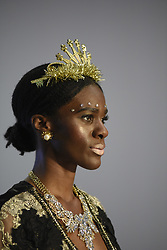 August 19, 2017 - Toronto, Ontario, Canada - A model walking on the ramp during the 4th day of African Fashion Week in Toronto, Canada on 19 August 2017. (Credit Image: © Arindam Shivaani/NurPhoto via ZUMA Press)
