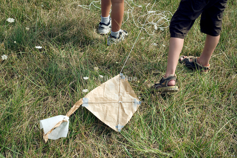 children with self made kite
