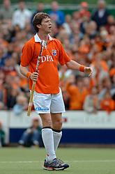 05-06-2005 HOCKEY: FINALE PLAYOFFS: BLOEMENDAAL-ORANJE ZWART: BLOEMENDAAL<br /> De hockeyers van Oranje Zwart zijn voor het eerst in hun bestaan landskampioen geworden. De Eindhovense club klopte Bloemendaal in het beslissende play-off-duel met 3-1 / <br /> Martijn van Hasselt<br /> ©2005-WWW.FOTOHOOGENDOORN.NL