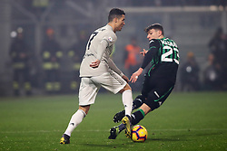"Foto Filippo Rubin<br /> 10/02/2019 Reggio Emilia (Italia)<br /> Sport Calcio<br /> Sassuolo - Juventus - Campionato di calcio Serie A 2018/2019 - Stadio ""Mapei Stadium""<br /> Nella foto: CRISTIANO RONALDO (JUVENTUS) VS GIANGIACOMO MAGNANI (SASSUOLO)<br /> <br /> Photo Filippo Rubin<br /> February 10, 2019 Reggio Emilia (Italy)<br /> Sport Soccer<br /> Sassuolo vs Juventus - Italian Football Championship League A 2018/2019 - ""Mapei Stadium"" Stadium <br /> In the pic: CRISTIANO RONALDO (JUVENTUS) VS GIANGIACOMO MAGNANI (SASSUOLO)"