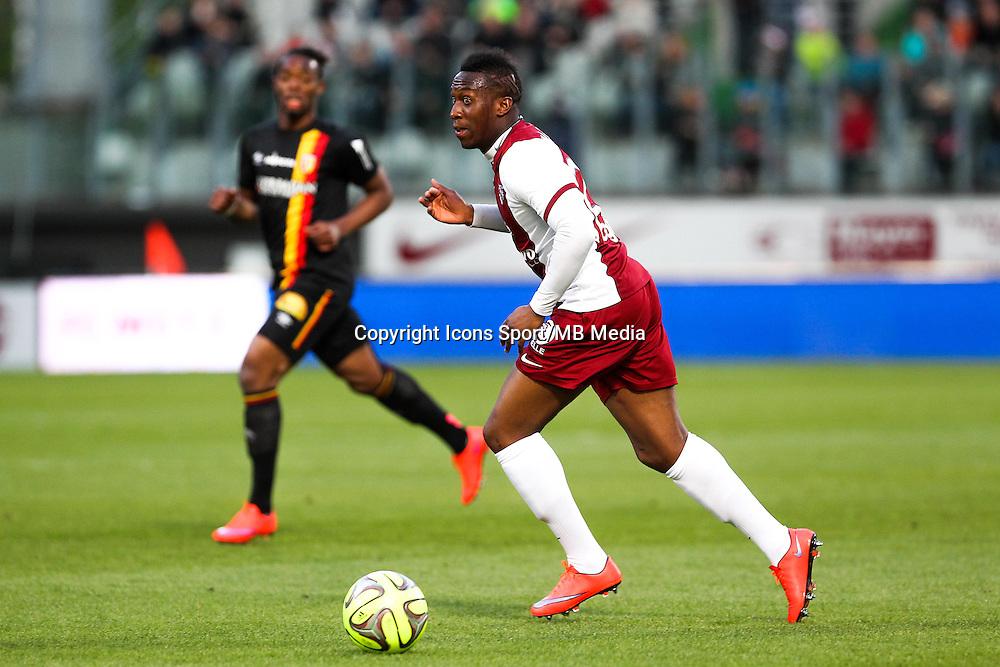 Yeni atito NGBAKOTO - 18.04.2015 - Metz / Lens - 33eme journee de Ligue 1<br />Photo : Fred Marvaux / Icon Sport