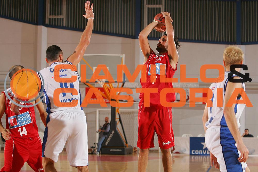 DESCRIZIONE : Grado Precampionato Lega A1 2006-07 TDshop Basket Livorno Bipop Carire Reggio Emilia <br /> GIOCATORE : Dorkofikis <br /> SQUADRA : Bipop Carire Reggio Emilia <br /> EVENTO : Precampionato Lega A1 2006-2007 <br /> GARA : TDshop Basket Livorno Bipop Carire Reggio Emilia <br /> DATA : 15/09/2006 <br /> CATEGORIA : Tiro <br /> SPORT : Pallacanestro <br /> AUTORE : Agenzia Ciamillo-Castoria/S.Silvestri