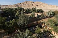Sahara hotel in an oasis next to Medinet habou, RAMSES 3 temple in Thebes  Louxor - Egypte    /  hotel SAHARA au coeur d'un oasis en face de Medinet Habou, temple de Ramses 3 a Thebes  Louqsor - Egypt