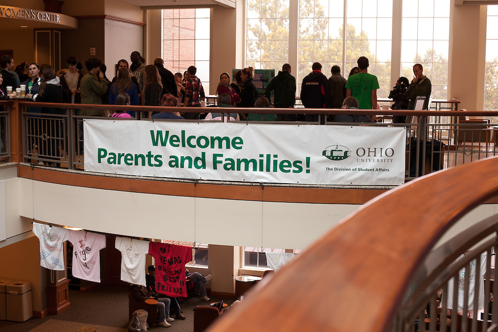 OU parents having breakfast and having fun. © Ohio University / Photo by Sonya Paclob