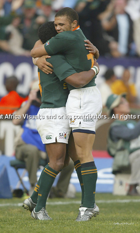 30/07/2005 Tri-Nations South Africa Vs Australia at Loftus Pretoria - South Africa Won 22-16 - Bryan Habana hugs Breyton Paulse after Breyton scored