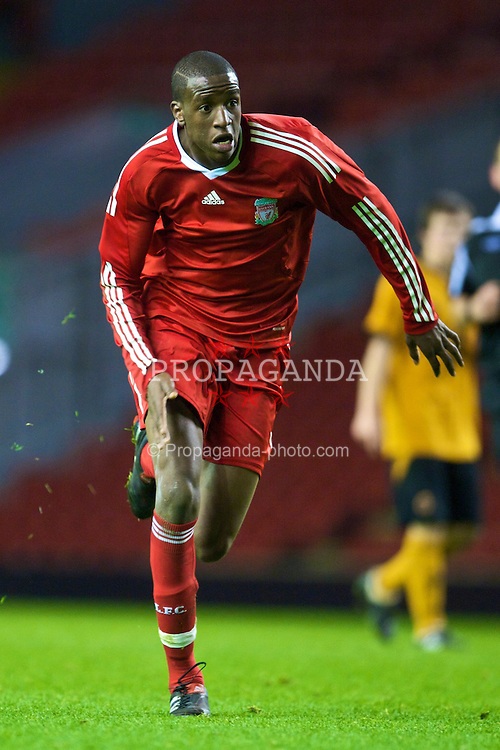 LIVERPOOL, ENGLAND - Monday, November 30, 2009: Liverpool's Michael Ngoo in action against Wolverhampton Wanderers during the FA Youth Cup 3rd Round at Anfield. (Pic by David Rawcliffe/Propaganda)