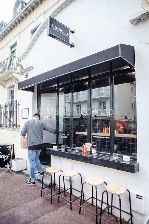 Bonheur hamburger restaurant in Biarritz, France.