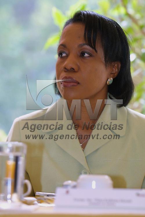 Ixtapan de la Sal, M&eacute;x.- Vilma Kathleen Mcnish, Embajadora de Jamaica en Mexico durante la reunion que sostuvieron embajadores de america Latina y del Caribe con empresarios y funcionarios del gobierno Estatal con el fin de promover el intercambio de inversiones. Agencia MVT / Mario V&aacute;zquez de la Torre. (DIGITAL)<br /> <br /> NO ARCHIVAR - NO ARCHIVE