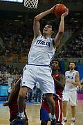 ATENE, 26 AGOSTO 2004<br /> BASKET, OLIMPIADI ATENE 2004<br /> ITALIA - PORTORICO<br /> NELLA FOTO: LUCA GARRI<br /> FOTO CIAMILLO
