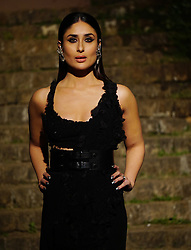 February 4, 2018 - Mumbai, India - Indian film actress Kareena Kapoor Khan show stopper for the designer Anamika Khanna  at the Grand Finale of Lakme Fashion Week Summer/Resort 2018 at Bandra ford garden in Mumbai. (Credit Image: © Azhar Khan/SOPA via ZUMA Wire)