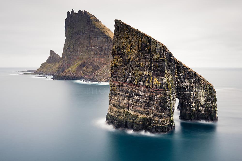 Stóri Drangur and Tindhólmur, Faroe Islands Tindhólmur, Sørvágsfjørður fjord, Vágoy