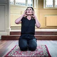 Nederland, Amsterdam, 31 mei 2016.<br /> Molenbeek monoloog met actrice Monic Hendrickx<br /> <br /> Actrice Monic Hendrickx vertolkt hierin de zus van een geradicaliseerde jongen. Ze verkent vragen over geweld, naastenliefde en verantwoording. Het stuk is geregisseerd door Roeland Hofman.<br /> <br /> Foto: Jean-Pierre Jans