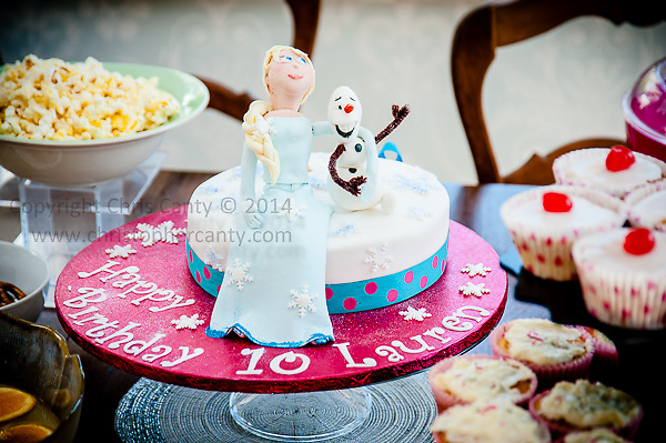 Laurens 10th Birthday cake with Elsa Olaf from Disneys Frozen