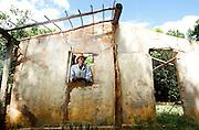 Distrito de Caraibas_MG, Brasil...Morador de Caraibas ha 19 anos. Ele presenciou o terremoto que assolou o vilarejo em 1997 matando 1 pessoa. Mesmo tendo ganhado uma casa num conjunto habitacional de Itacambira ele voltou ao vilarejo e mora hoje em sua antiga casa, Minas Gerais...A man , He lives in Caraibas during 19 years. He saw the earthquake in the village in 1997 killing one person.  He won a house in a housing project inItacambira, but He returned to the village and now lives in his old house, Minas Gerais...Foto: EMMANUEL PINHEIRO / NITRO.
