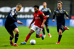 Jay Dasilva of Bristol City surges forward before providing the cross and assist for Niclas Eliasson of Bristol City to score and make it 1-0 - Rogan/JMP - 18/01/2020 - Ashton Gate Stadium - Bristol, England - Bristol City v Barnsley - Sky Bet Championship.