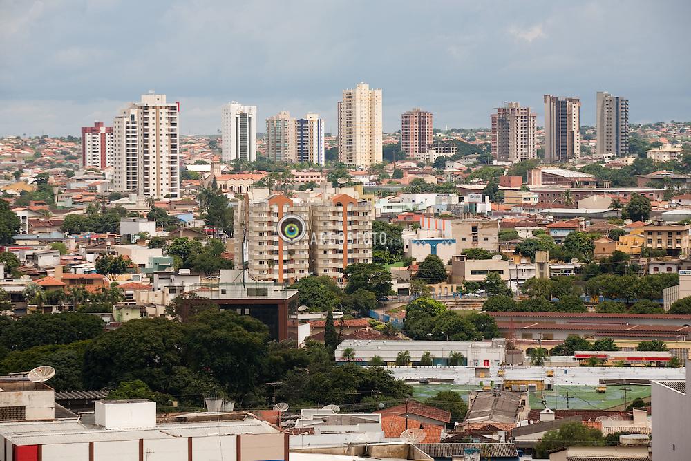 Anapolis eh um municipio brasileiro do estado de Goias. Tem, segundo estimativa do IBGE para 2009, 335.960 habitantes /Anapolis is the third largest city in the State of Goias in Brazil. The resident population in 2009 was 335.960