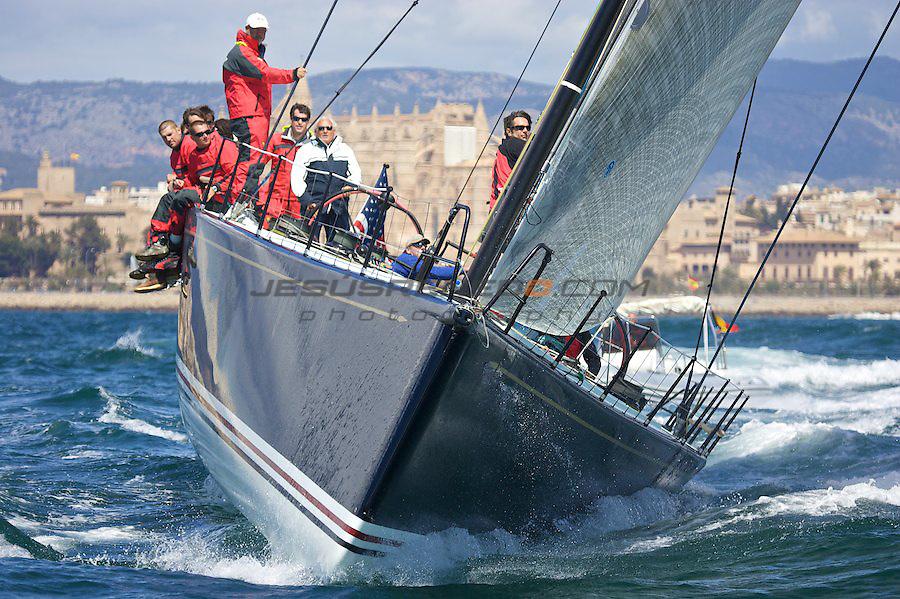 Palmavela 2009, 11 de Abril 2009, entrenamientos bahia de Palma, previo al palma vela.Hap Fauth's Bella Mente, an IRC 69 from Reichel/Pugh design