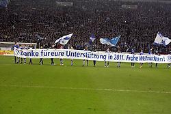 13.12.2011, Arena auf Schalke, Gelsenkirchen, GER, 1.FBL, Schalke 04 vs Werder Bremen, im BildSpieler von Schalke bedanken sich für die Unterstützung // during the 1.FBL, Schalke 04 vs Werder Bremen on 2011/12/17, Arena auf Schalke, Gelsenkirchen, Germany. EXPA Pictures © 2011, PhotoCredit: EXPA/ nph/ Mueller..***** ATTENTION - OUT OF GER, CRO *****