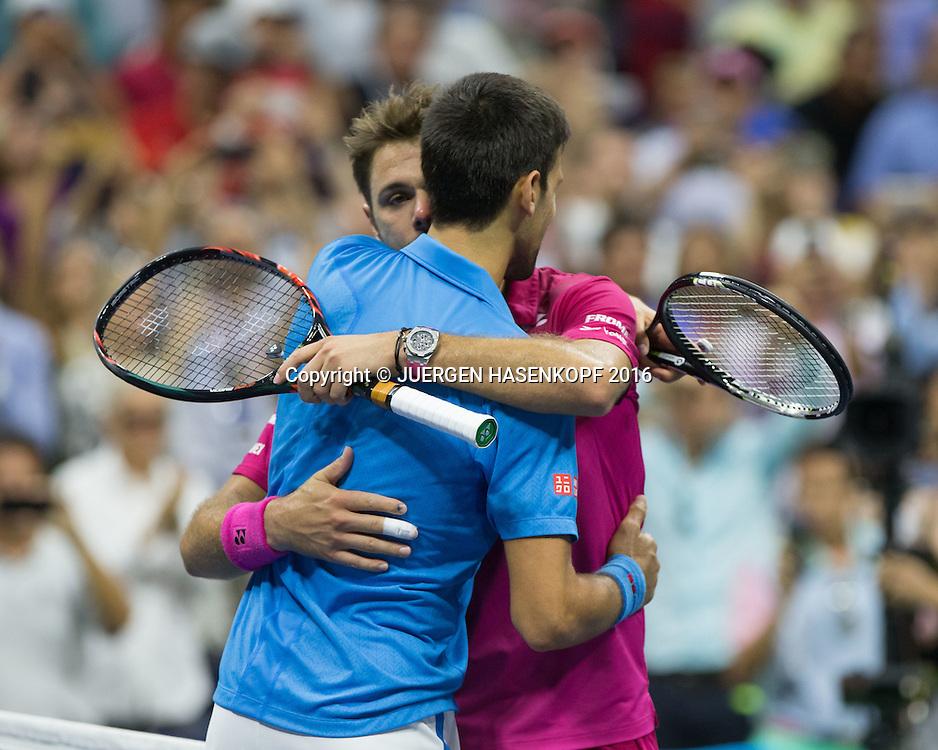 NOVAK DJOKOVIC gratuliert dem Sieger STAN WAWRINKA (SUI) Herren Finale<br /> <br /> <br /> Tennis - US Open 2016 - Grand Slam ITF / ATP / WTA -  USTA Billie Jean King National Tennis Center - New York - New York - USA  - 11 September 2016.