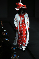 A model presents fashion creations designed by Sun Lin during a fashion show of Xinshen Linen and Sun Lin Collection at China Fashion Week in Beijing, capital of China, March 30, 2016. EXPA Pictures © 2016, PhotoCredit: EXPA/ Photoshot/ Li Mingfang<br /> <br /> *****ATTENTION - for AUT, SLO, CRO, SRB, BIH, MAZ, SUI only*****