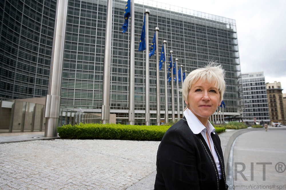 BRUSSELS - BELGIUM - 25 JUNE 2007 -- Margot WALLSTROEM, EU Commisioner with the Berlaymont in the back. Photo: Erik Luntang