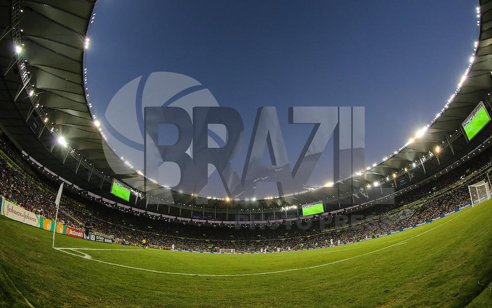 RIO DE JANEIRO, RJ, 16 JUNHO 2013 - COPA DAS CONFEDERACOES - MEXICO X ITALIA  - Partida entre Mexico x Itália, válida pela primeira rodada da Copa das Confederações, no Estádio do Maracanã, no Rio de Janeiro, neste domingo.16. (FOTO: VANESSA CARVALHO/ BRAZIL PHOTO PRESS).