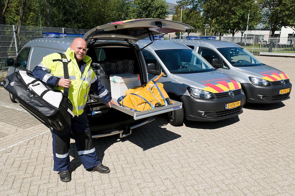 Nederland, EIndhoven, 20110816..Wagens van de ongevallenbestrijding van Prorail in Eindhoven. Sommige auto's hebben een uitschuifbaar gedeelte achterin waarop veel hulpmiddelen zijn te vinden.