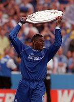 Marcel Desailly (Chelsea) parades the Charity Shield. Chelsea v Manchester United. FA Charity Shield. Wembley 13/8/00. Credit: Colorsport.