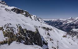 THEMENBILD - Blick auf die mit Schnee bedeckten Berge im Skigebiet Weißsee Gletscherwelt im Frühling, aufgenommen am 19. April 2019 in Uttendorf, Oesterreich // View of the snow-covered mountains at the Weißsee Glacier World ski area in spring in Uttendorf, Austria on 2019/04/19. EXPA Pictures © 2019, PhotoCredit: EXPA/ JFK