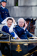 6-6-2017  STOCKHOLM SWEDEN - Princess Sofia and Prince Carl Philip and Queen Silvia and King Carl Gustaf Princess Madeleine and Her husband Christopher O'Neill Stockholm CrownPrincess Victoria and Princess Estelle and Prince Daniel leaving the palace attend the the carriage procession in Stockholm during the celebration of the National Day of Sweden. COPYRIGHT ROBIN UTRECHT<br /> <br /> 6-6-2017  STOCKHOLM ZWEDEN - prinses Sofia and prins Carl Philip  en Koningin Silvia en Koning Carl Gustaf prinses Madeleine en haar man Christopher O'Neill<br /> Stockholm kroon prinses Victoria en Prinses Estelle en prins Daniel het verlaten van het paleis wonen de de wagen processie in Stockholm tijdens de viering van de Nationale Dag van Zweden